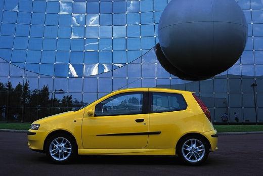 FIAT Punto II I hatchback żółty boczny lewy