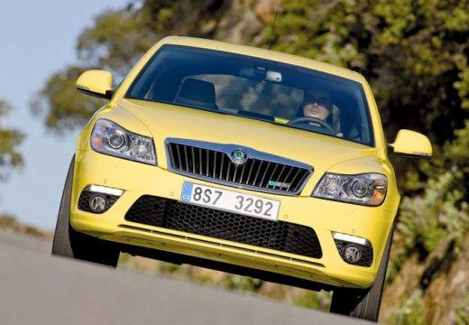 SKODA Octavia II II hatchback żółty przedni