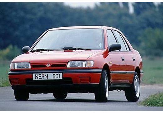 NISSAN Sunny sedan czerwony jasny przedni lewy