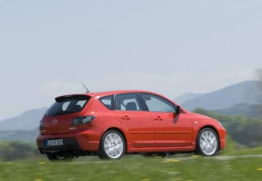 MAZDA 3 II hatchback czerwony jasny tylny prawy