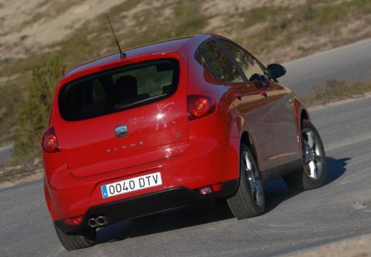 SEAT Altea I hatchback czerwony jasny tylny prawy