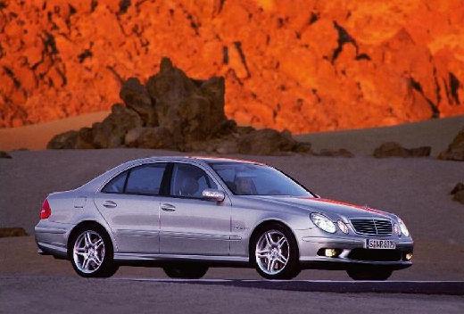 MERCEDES-BENZ Klasa E W 211 I sedan silver grey przedni prawy