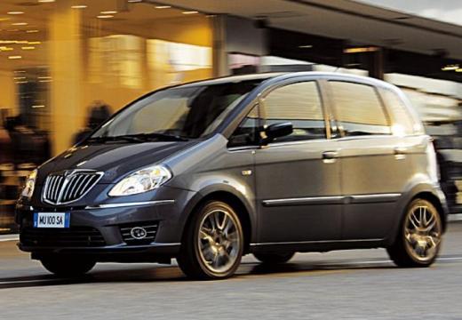 LANCIA Musa II hatchback szary ciemny przedni lewy