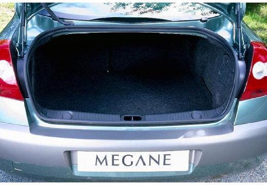 RENAULT Megane II I sedan silver grey przestrzeń załadunkowa