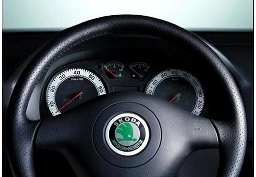 SKODA Octavia II hatchback tablica rozdzielcza