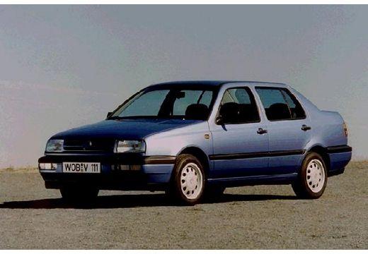 VOLKSWAGEN Vento I sedan niebieski jasny przedni lewy