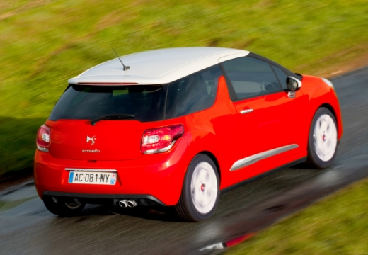 CITROEN DS3 II hatchback czerwony jasny tylny prawy