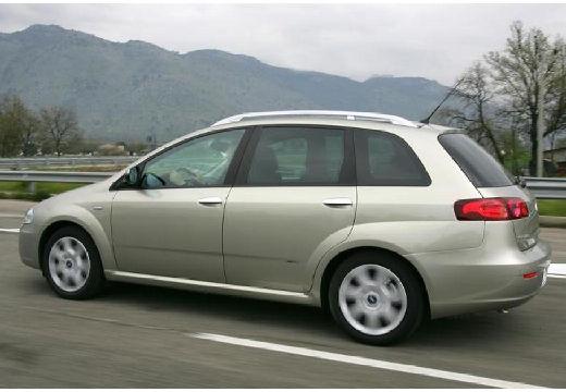 FIAT Croma II kombi silver grey tylny lewy