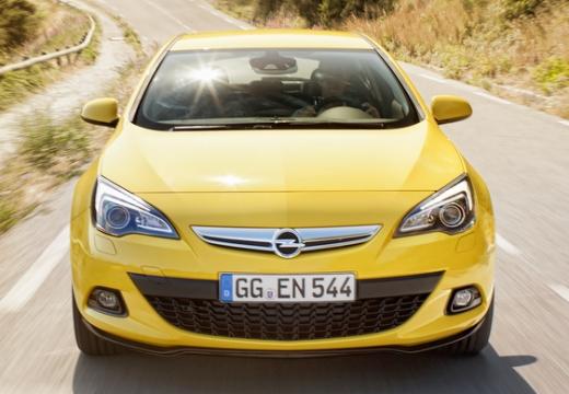 OPEL Astra IV GTC II hatchback żółty przedni
