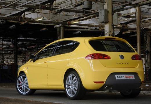 SEAT Leon II hatchback żółty tylny lewy