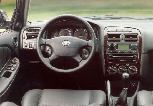Toyota Avensis II sedan tablica rozdzielcza