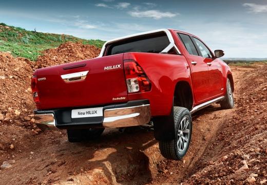 Toyota HiLux pickup czerwony jasny tylny prawy