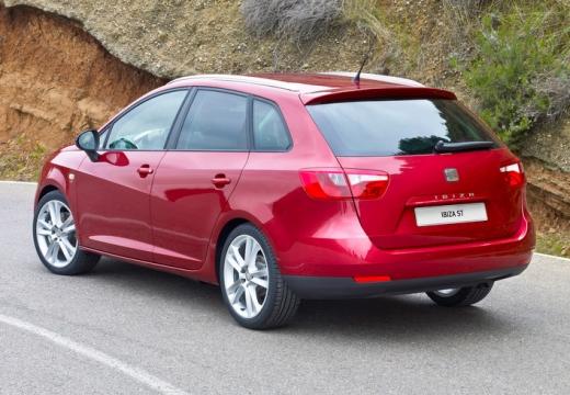 SEAT Ibiza ST I kombi czerwony jasny tylny lewy