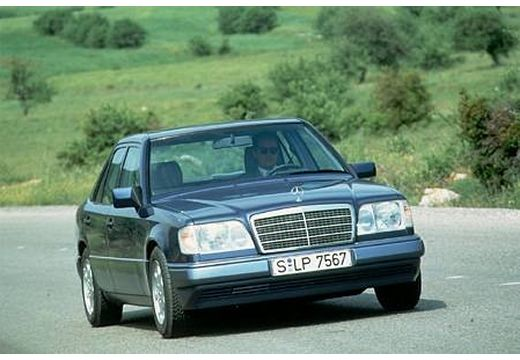 MERCEDES-BENZ E 200 D Sedan W124 2.0 75KM (diesel)