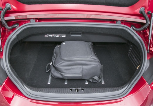 JAGUAR XK Convertible II kabriolet przestrzeń załadunkowa