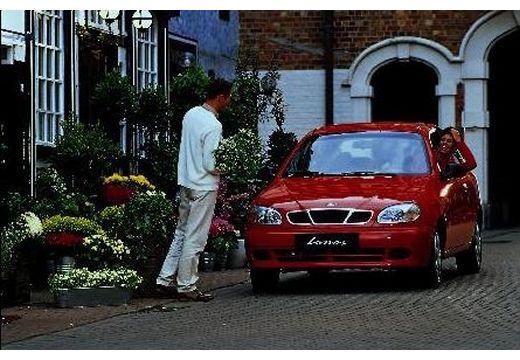 DAEWOO / FSO Lanos hatchback czerwony jasny przedni lewy