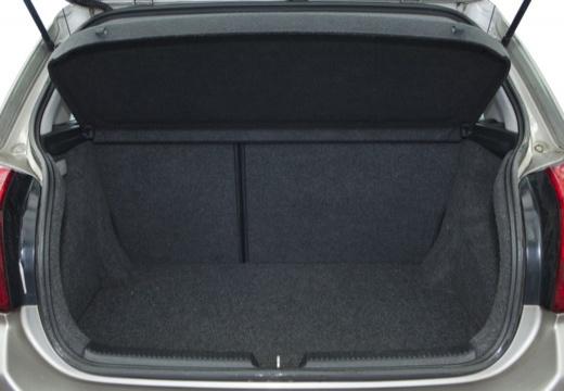 Toyota Corolla VI hatchback silver grey przestrzeń załadunkowa