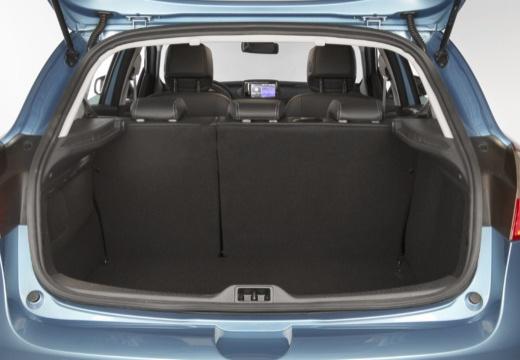 RENAULT Megane III III hatchback niebieski jasny przestrzeń załadunkowa
