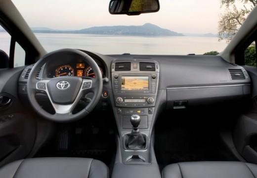 Toyota Avensis 2.0 Sol plus EU5 Kombi V 152KM (benzyna)