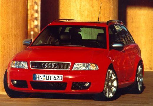 AUDI A4 Avant B5 kombi czerwony jasny przedni lewy