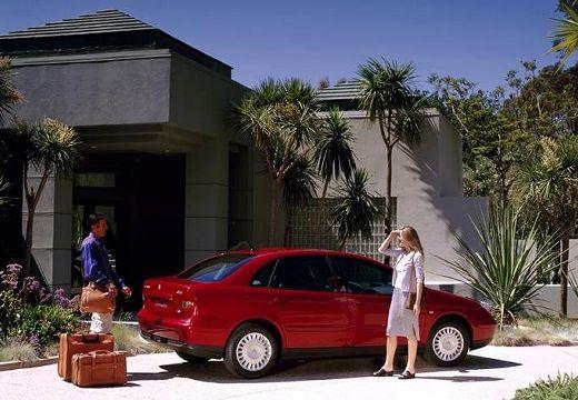 CITROEN C5 I hatchback czerwony jasny tylny prawy