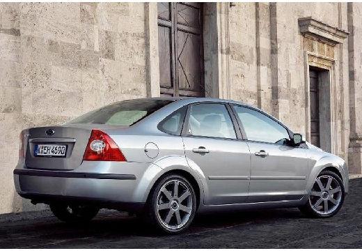 FORD Focus III sedan silver grey tylny prawy