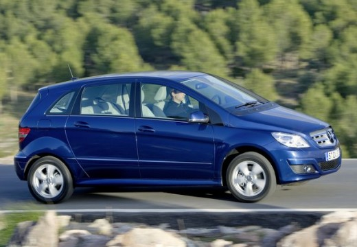 MERCEDES-BENZ Klasa B hatchback niebieski jasny przedni prawy