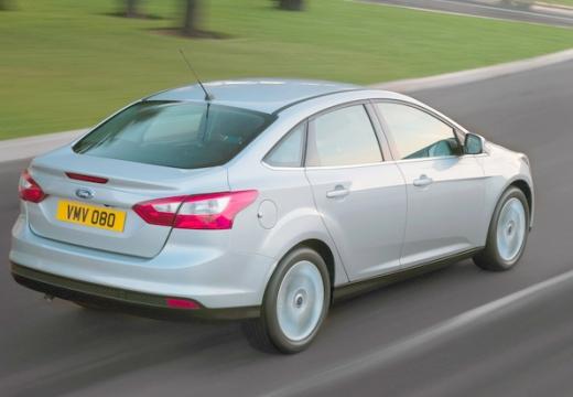 FORD Focus V sedan silver grey tylny prawy
