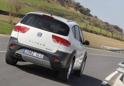 SEAT Altea XL II hatchback biały tylny prawy