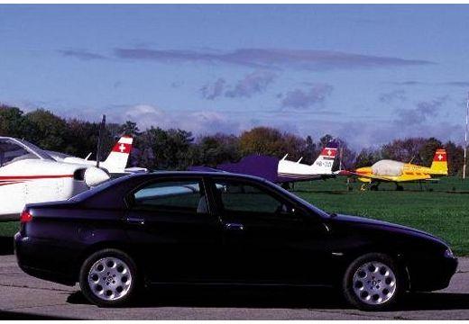 ALFA ROMEO 166 I sedan czarny boczny prawy