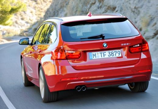 BMW Seria 3 Touring F31 I kombi czerwony jasny tylny lewy