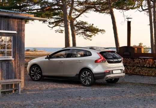 VOLVO V40 Cross Country II hatchback silver grey tylny lewy