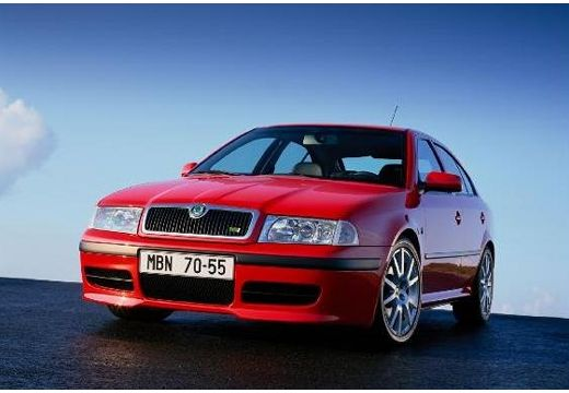 SKODA Octavia II hatchback czerwony jasny przedni lewy