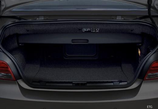BMW Seria 1 Cabrio E88 I kabriolet przestrzeń załadunkowa