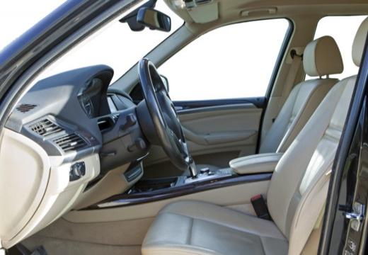 BMW X5 X 5 E70 kombi wnętrze