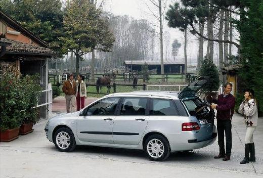 FIAT Stilo Multiwagon II kombi silver grey tylny lewy
