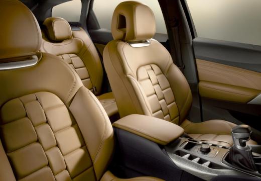 CITROEN DS5 hatchback wnętrze