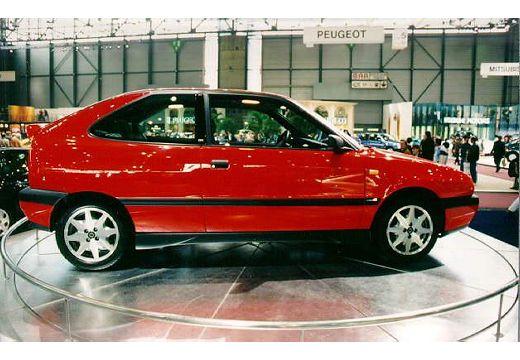 LANCIA Delta hatchback boczny prawy