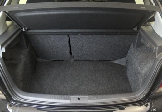 VOLKSWAGEN Polo IV II hatchback przestrzeń załadunkowa