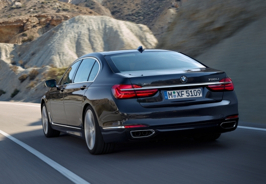 BMW Seria 7 G11 G12 I sedan czarny tylny lewy