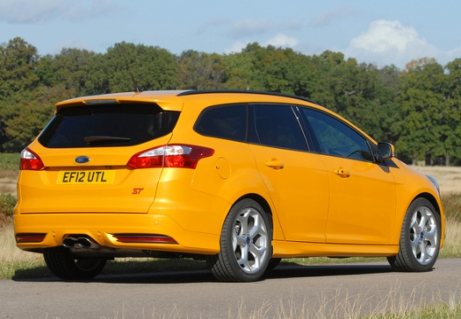 ford focus st kombi v 2 0 250km 2012. Black Bedroom Furniture Sets. Home Design Ideas