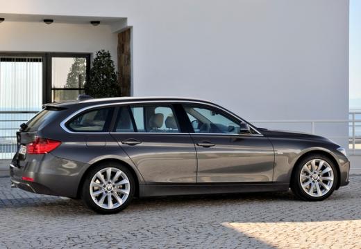 BMW Seria 3 Touring F31 I kombi silver grey tylny prawy