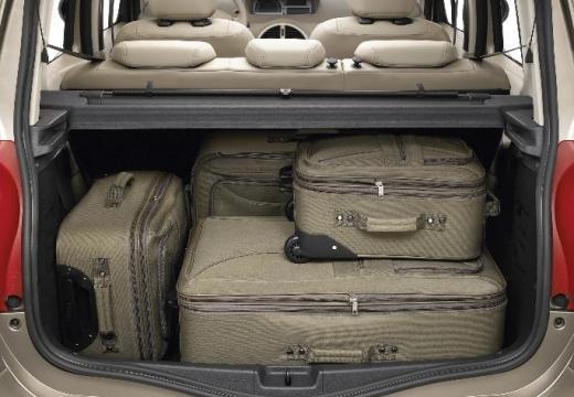 RENAULT Modus Grand hatchback silver grey przestrzeń załadunkowa