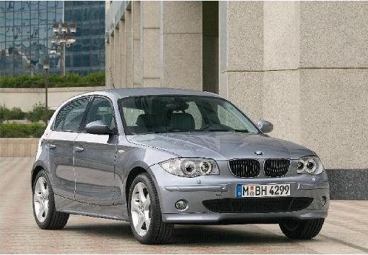 BMW Seria 1 hatchback silver grey przedni prawy