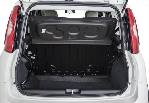 FIAT Panda III hatchback biały przestrzeń załadunkowa
