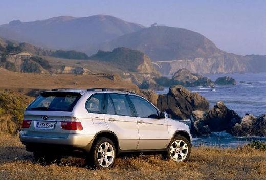 BMW X5 kombi silver grey tylny prawy