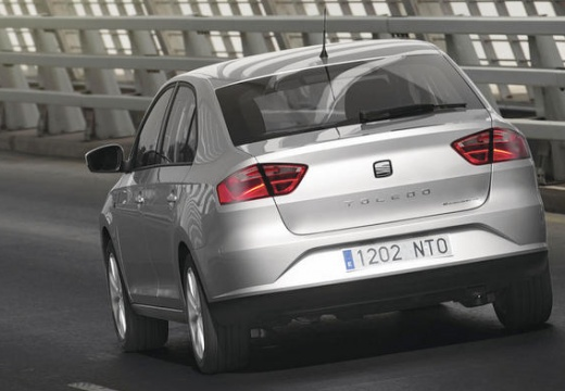 SEAT Toledo IV hatchback silver grey tylny lewy