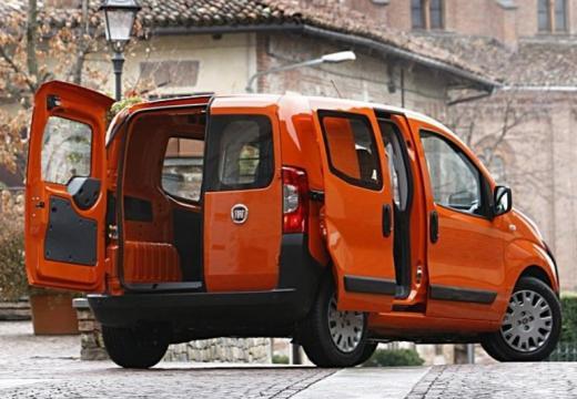 FIAT Fiorino kombi pomarańczowy tylny prawy
