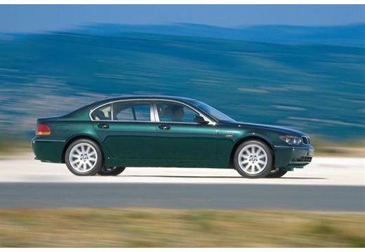 BMW Seria 7 E65 E66 I sedan zielony boczny prawy