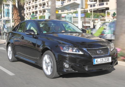 LEXUS IS 220 D Classic Sedan IV 2.3 177KM (diesel)